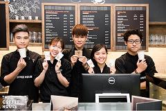 Đồng phục nhân viên - Đồng Phục Cho Nhân Viên Tiệm Trà Sữa Tạo Sự Chuyên Nghiệp