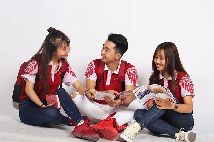 Đồng phục Trường Đại học Quốc tế Hồng Bàng
