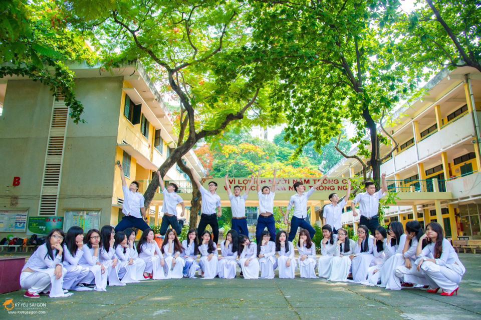 Đồng phục trường THPT Hùng Vương
