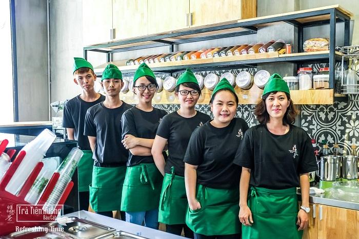 Những lưu ý khi lựa chọn đồng phục cho các quán café